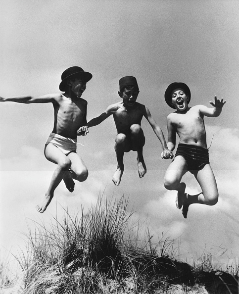 友情「Beach Leap」:写真・画像(15)[壁紙.com]