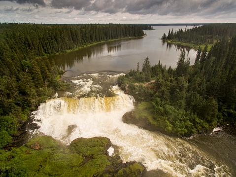 Boreal Forest「Pisew Falls, Manitoba, Canada」:スマホ壁紙(9)