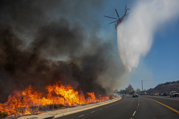 """California「""""Extreme"""" Santa Ana Winds Spark New Wildfires In Southern California」:写真・画像(12)[壁紙.com]"""