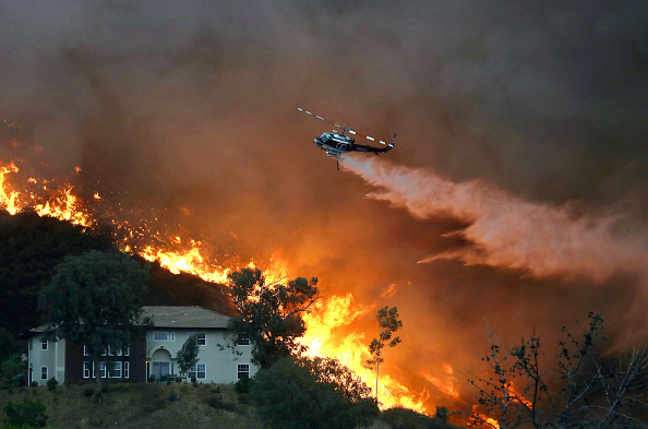 California「Record Heat Fuels Holy Fire In Southern California, Threatening Homes」:写真・画像(16)[壁紙.com]