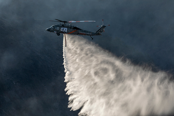 Getty Images「Fast-Moving Getty Fire Threatens Homes And Forces Evacuations In Affluent Section Of Los Angeles」:写真・画像(7)[壁紙.com]