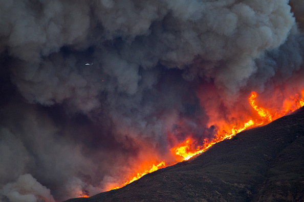 カリフォルニア州「Southern California Wildfires Forces Thousands to Evacuate」:写真・画像(15)[壁紙.com]