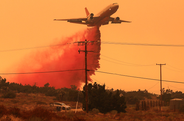 Extreme Weather「Bobcat Fire Jumps Highway And Spreads Into Juniper Hills Area」:写真・画像(12)[壁紙.com]