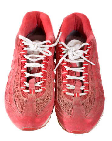 Two Objects「Red running shoes」:スマホ壁紙(1)
