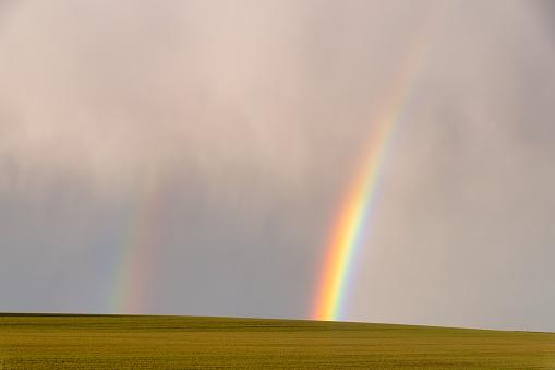 East Lothian「UK, Scotland, Double rainbow against cloudy sky」:スマホ壁紙(6)