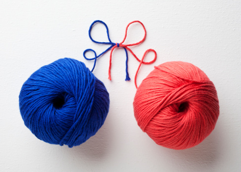 Ball Of Wool「Red and blue yarn tied together」:スマホ壁紙(7)