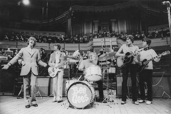 Performance「Bee Gees At The Royal Albert Hall」:写真・画像(5)[壁紙.com]