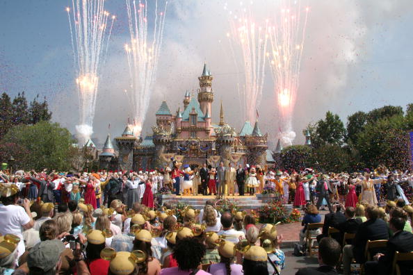 Disney World「Disneyland's 50th Anniversary」:写真・画像(4)[壁紙.com]