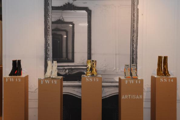 "Condiment「Maison Martin Margiela & Relish Join Forces For ""Tabi Shoe Maker"" Exhibition」:写真・画像(14)[壁紙.com]"