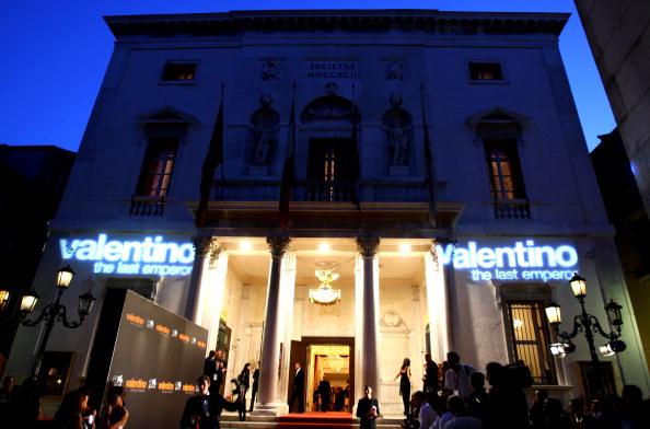Atmosphere「65th Venice Film Festival: Valentino:The Last Emperor - Premiere」:写真・画像(18)[壁紙.com]