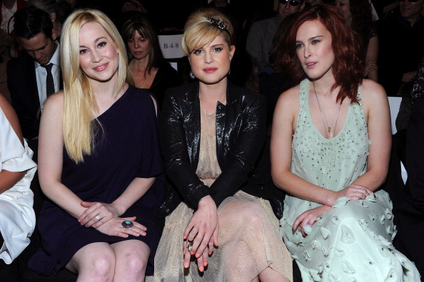 Nude Colored「Badgley Mischka - Front Row - Fall 2011 Mercedes-Benz Fashion Week」:写真・画像(17)[壁紙.com]