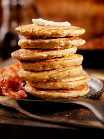 Cast Iron「Silver Dollar Pancakes with Maple Syrup」:スマホ壁紙(7)