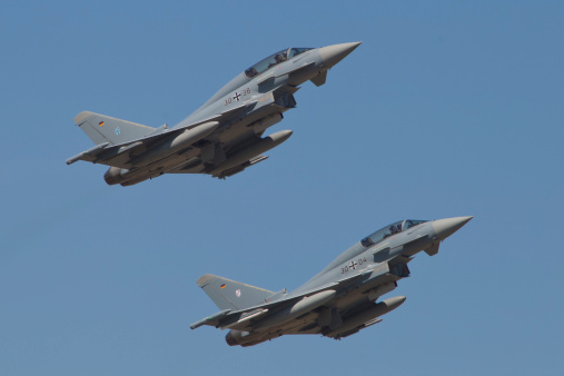 Typhoon「A pair of Eurofighter Typhoon aircraft from the German Air Force taking off from Laage, Germany.」:スマホ壁紙(18)