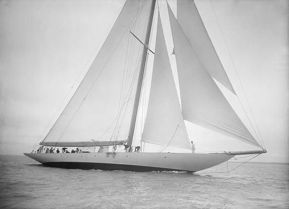 Cutting「The 23-Metre Cutter Astra Sailing Close-Hauled」:写真・画像(18)[壁紙.com]