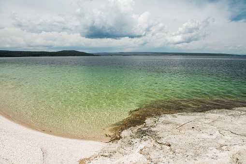 Rippled「Approaching storms over Yellowstone Lake」:スマホ壁紙(9)