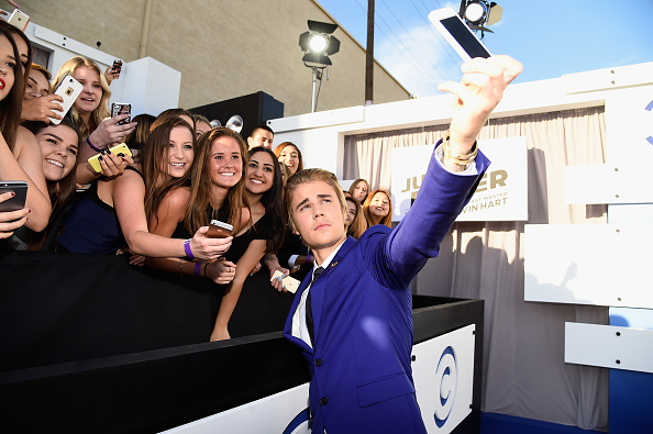 Fan - Enthusiast「The Comedy Central Roast Of Justin Bieber - Red Carpet」:写真・画像(17)[壁紙.com]