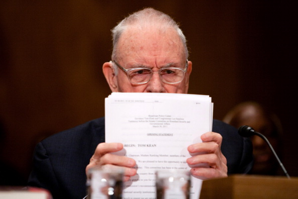 Brendan Hoffman「9/11 Commission Testifies Before Senate Panel」:写真・画像(10)[壁紙.com]