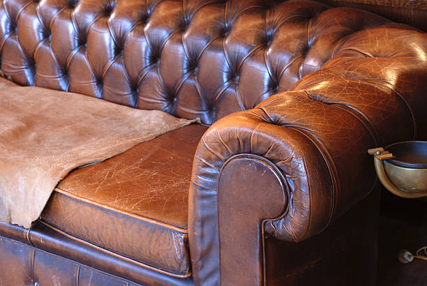 Retro leather sofa:スマホ壁紙(壁紙.com)