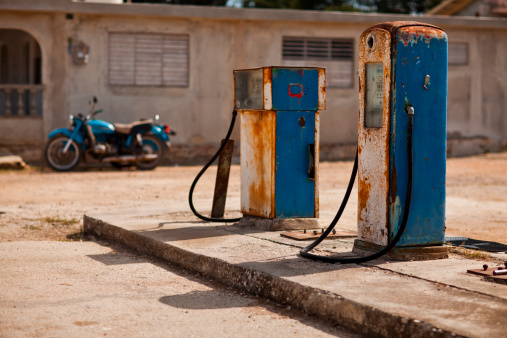 Motorcycle「Old petrol pump on lot」:スマホ壁紙(16)