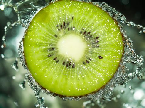 Kiwi「Kiwi splash」:スマホ壁紙(1)