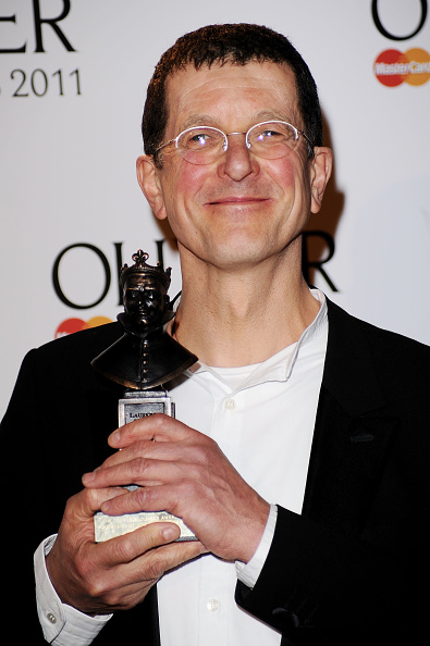 Antony Gormley「The Olivier Awards 2011 - Press Room」:写真・画像(5)[壁紙.com]