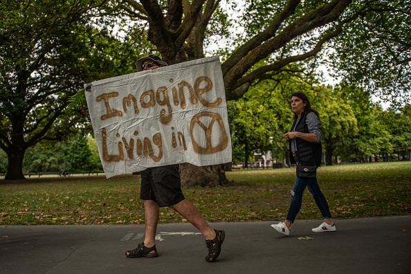 大人「Christchurch Mourns After Worst Mass Shooting In New Zealand's History」:写真・画像(1)[壁紙.com]