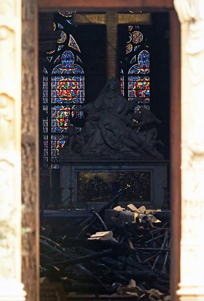 Notre Dame de Paris「Paris Assesses Damage Following Notre Dame Blaze」:写真・画像(9)[壁紙.com]