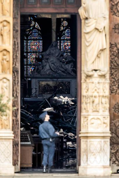 Paris Assesses Damage Following Notre Dame Blaze:ニュース(壁紙.com)
