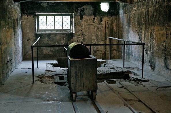Bouquet「Crematorium At Auschwitz I」:写真・画像(0)[壁紙.com]