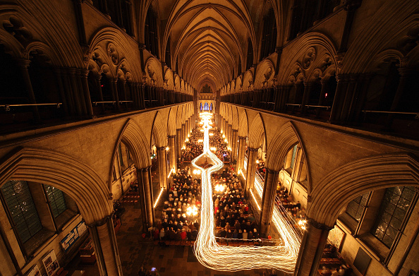 Lighting Equipment「Salisbury Cathedral Hosts Darkness To Light Advent Procession」:写真・画像(0)[壁紙.com]