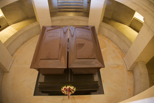 General - Military Rank「Looking down at Ulysses and Julia Grant's caskets in Grant's Tomb, Upper West Side, New York, NY, U.S.A.」:スマホ壁紙(12)