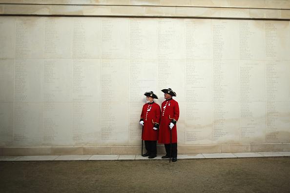 トピックス「Annual Service Of Remembrance For Armistice Day」:写真・画像(8)[壁紙.com]
