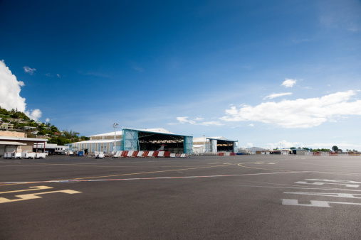 Airplane Hangar「Airport Papeete Tahiti French Polynesia」:スマホ壁紙(11)