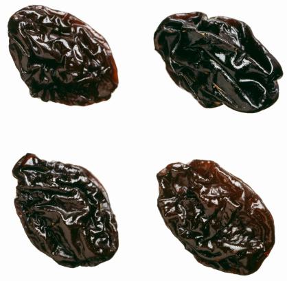 Prune「Four dried plums or prunes」:スマホ壁紙(13)