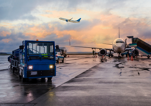 バケーション「人乗りの飛行機に備えるジュラルミン」:スマホ壁紙(11)