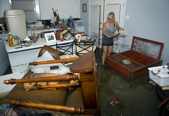 Hurricane Ike「Texas Gulf Coast Cleans Up After Hurricane Ike」:写真・画像(2)[壁紙.com]