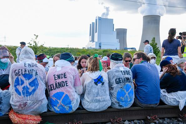 North Rhine Westphalia「Activists Seek To Blockade Garzweiler Coal Mine」:写真・画像(0)[壁紙.com]