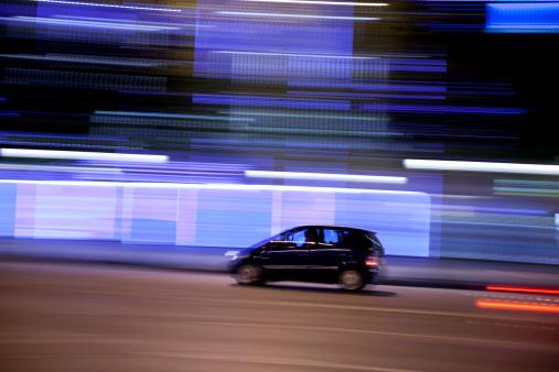 Composition「Champs-Élysées traffic with panning motion at night, Paris, France」:スマホ壁紙(5)