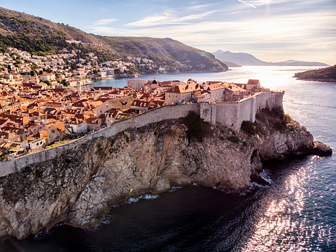 Fortified Wall「Dubrovnik old town city walls aerial view」:スマホ壁紙(8)