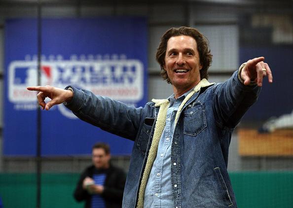 Matthew McConaughey「Matthew McConaughey Attends Rangers Play Ball Event」:写真・画像(17)[壁紙.com]