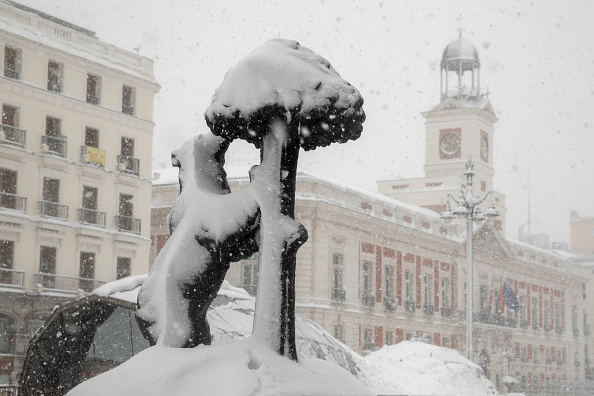 Madrid「Snow Hits Madrid As Temperatures Plummet In Spain」:写真・画像(10)[壁紙.com]