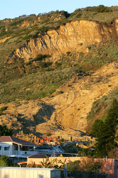 Recovery「Death Toll Rises in Southern California Mudslide」:写真・画像(8)[壁紙.com]
