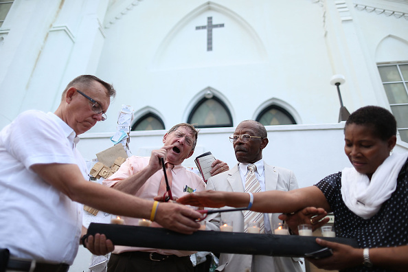 Methodist「Charleston Continues To Mourn In Wake Of Church Shooting」:写真・画像(11)[壁紙.com]