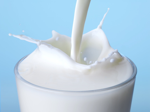 Splashing「Milk」:スマホ壁紙(6)