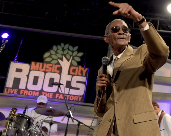 Singer「Music City Roots: Night Train To Nashville 10th Anniversary At The Factory」:写真・画像(6)[壁紙.com]
