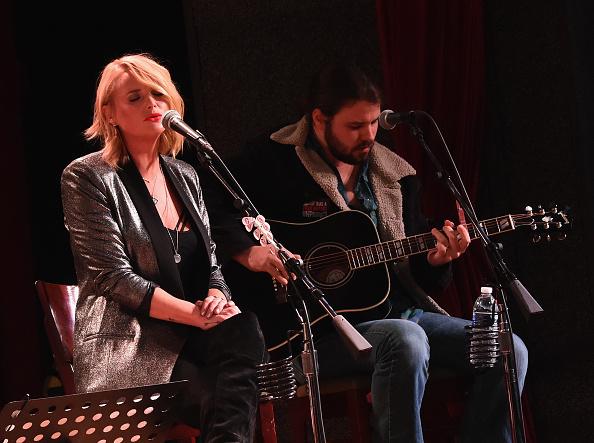 楽器「Miranda Lambert Performs At City Winery In Nashville」:写真・画像(18)[壁紙.com]