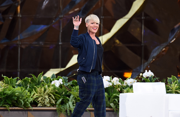 "Singer「""The Ellen Degeneres Show"" Season 13 Bi-Coastal Premiere」:写真・画像(3)[壁紙.com]"