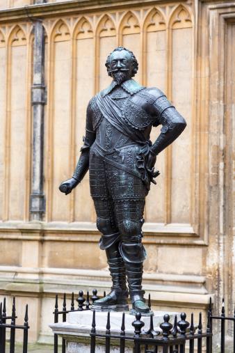 Cavalry「Statue of William Herbert Earl Pembroke」:スマホ壁紙(7)