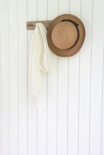 帽子「Straw hat and scarf」:スマホ壁紙(3)