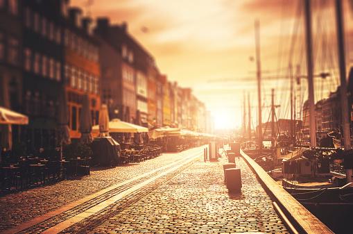Danish Culture「The Nyhavn harbour at sunrise in Copenhagen」:スマホ壁紙(16)